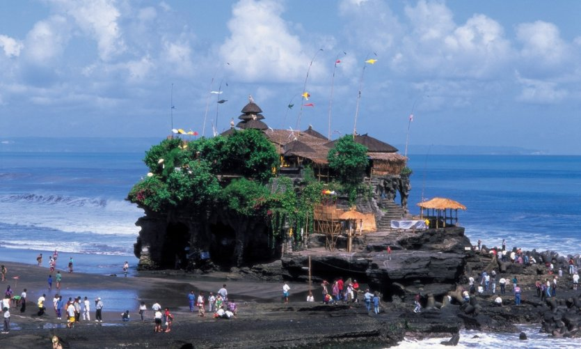 Pura Tanah Loth es uno de los templos más visitados de Bali.