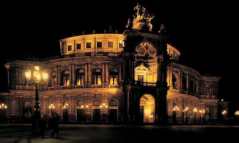L'opéra la nuit