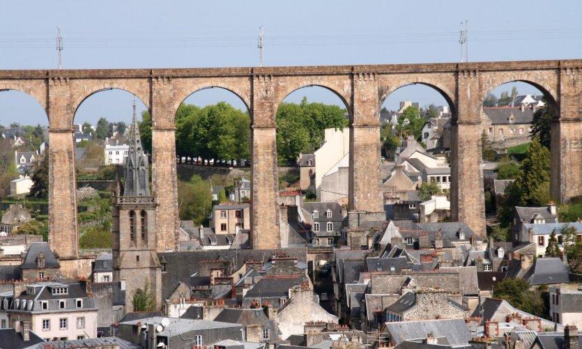 Le Viaduc pour la ligne de chemin de fer Paris-Brest passe à Morlaix