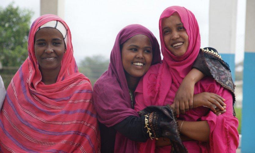 Jeunes femmes de l'école d'hôtellerie d'Arta.
