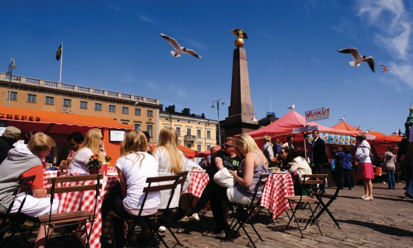 <p>Restaurant terrace in Kauppatori.</p>