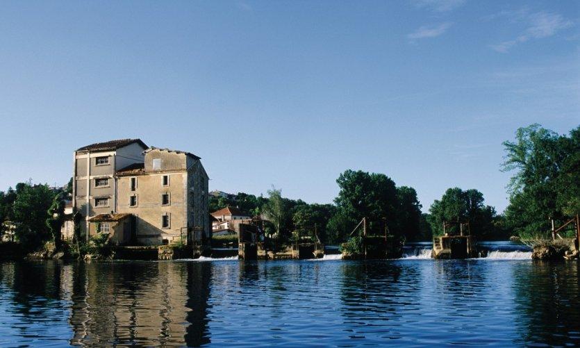 La Charente, à Saint-Simeux