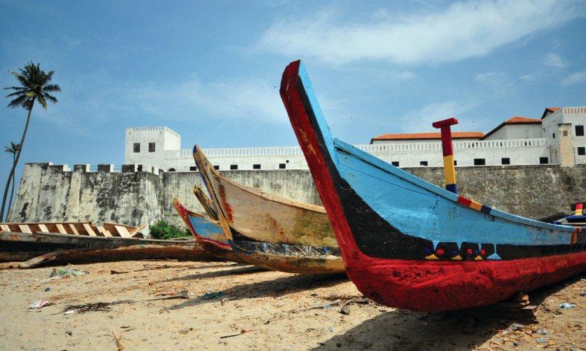 Bateaux de pêche à Elmina.