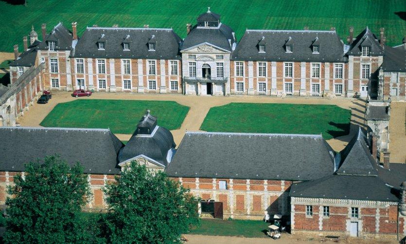 Vue aérienne du château du Champ de Bataille - Le Neubourg