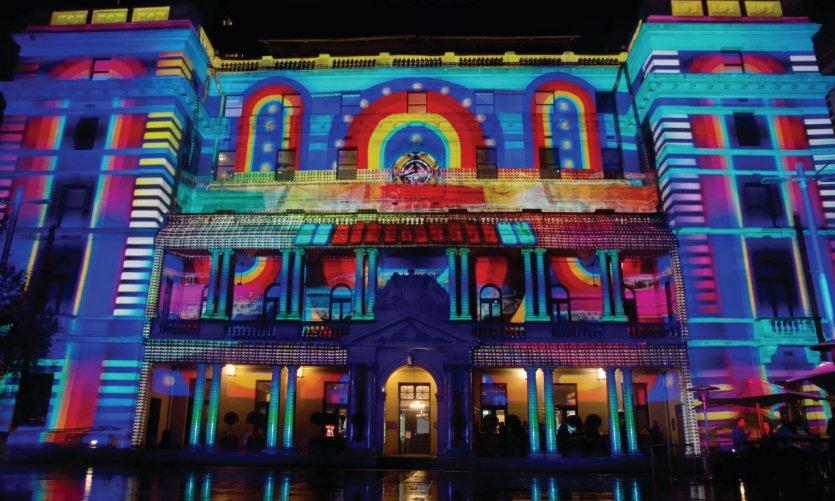 Customs House parée de lumière lors du Vivid Sydney Festival.