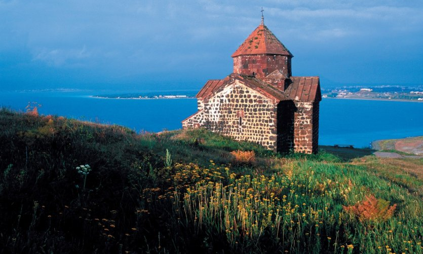 Église du lac Sevan.