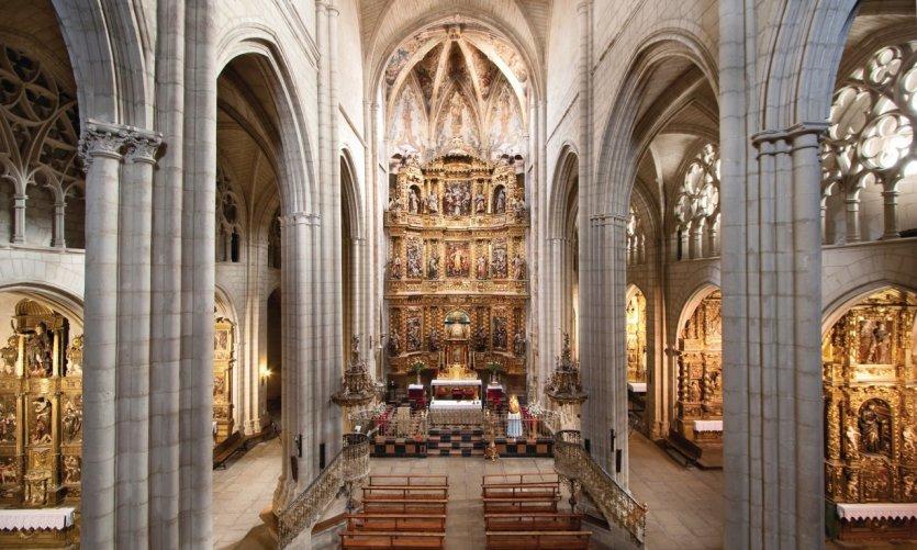 Église Santa Maria de Viana.