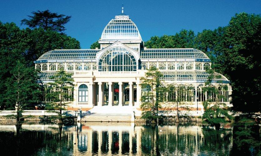 Palais de cristal (Palacio de Cristal) dans le parc du Retiro.