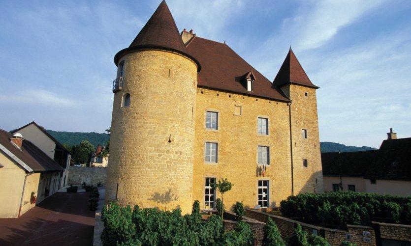 Le château Pécauld, abritant le Musée de la Vigne et et du Vin - Arbois