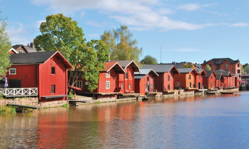 Les jolies maisons en bois colorées sur la rive de Porvoo.