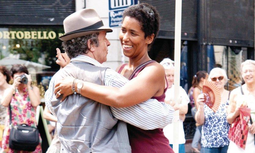 Homme, femme, débutant ou confirmé, il est très facile de se faire inviter à danser.