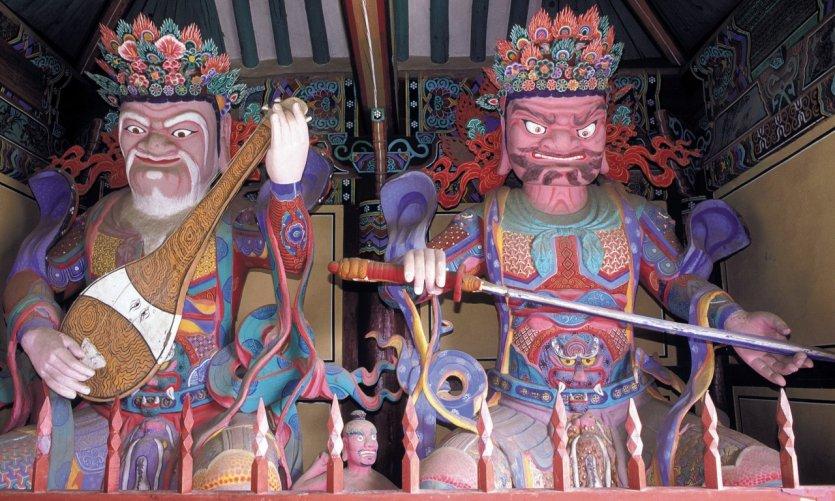 <p>Los guardianes de los cuatro puntos cardinales del templo Gwanchoksa.</p>