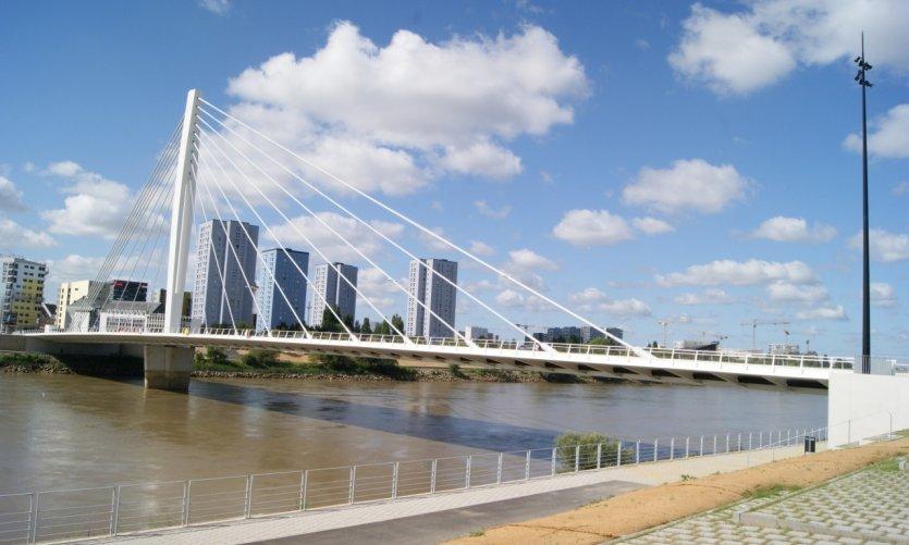 Le pont Éric Tabarly à Nantes