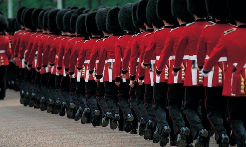 L'impressionnante relève de la garde à Buckingham Palace.