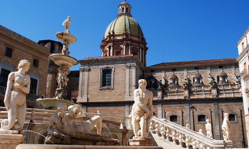 Place de la mairie de Palerme.