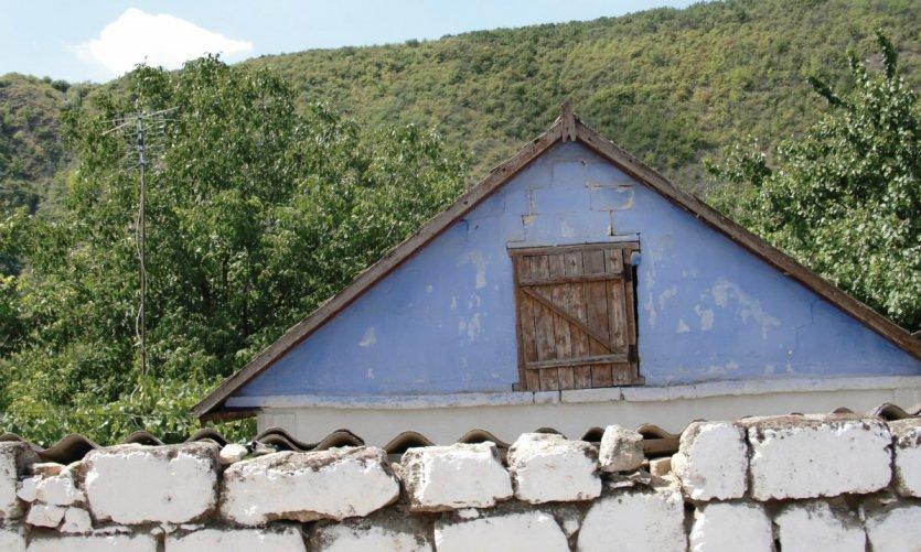Détail de maison paysanne moldave aux alentours de Saharna.