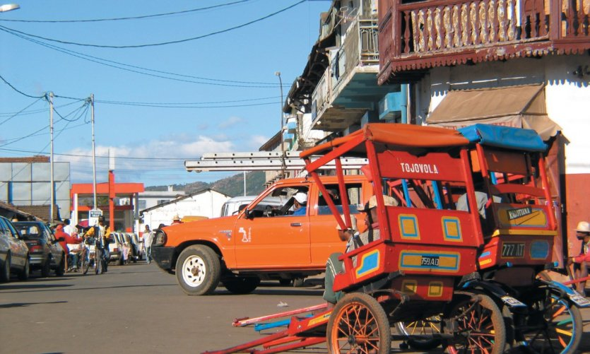 Welcome with Antsirabe, paradise of the rickshaws!