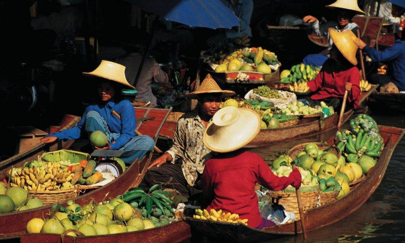 Damnoen Saduak Floating Market, le plus grand marché flottant de Thaïlande.