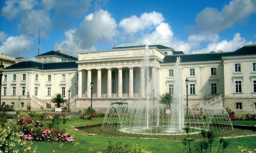 Le palais de justice de Tours