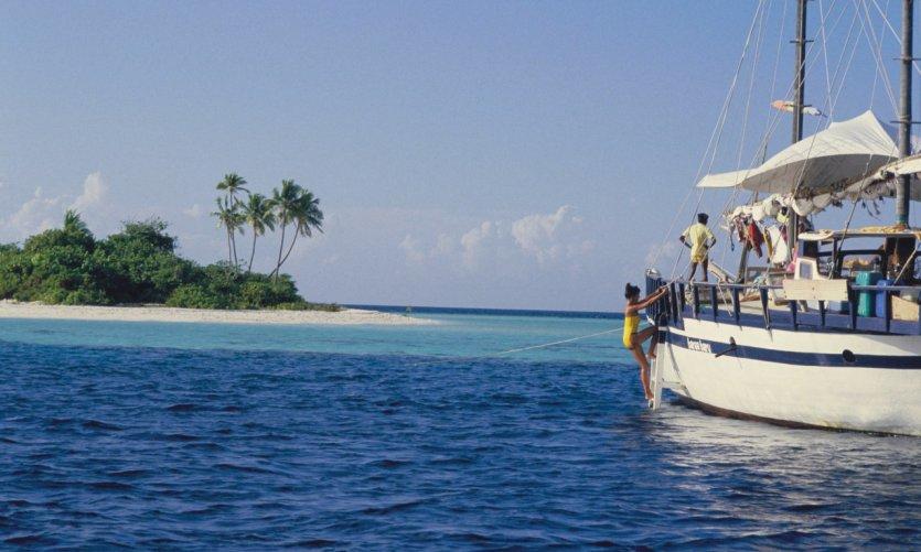 Baraa Baru, premier bateau de croisière aux Maldives, construit et skippé par le français Philippe Laurella.