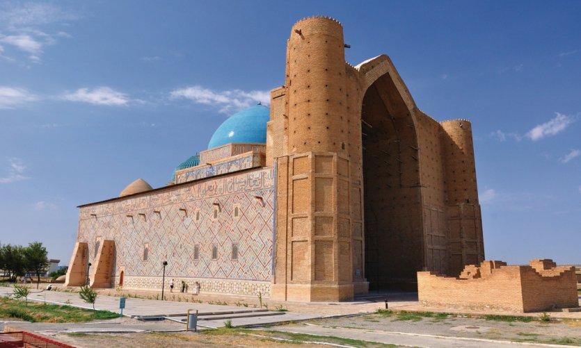 <p>Mausoleo de Ahmed Yasawi.</p>