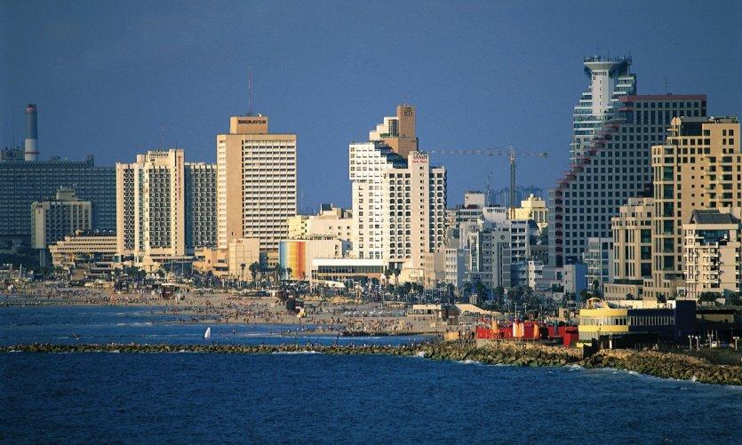 Vue sur Tel Aviv depuis la ville de Jaffa.