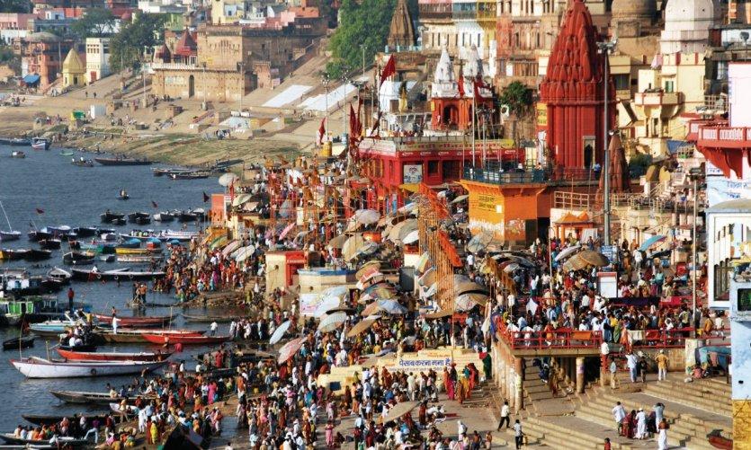 Les rives du Gange débordent d'activités.