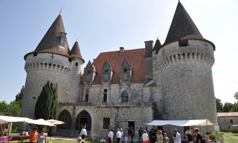 Château de Bridoire.