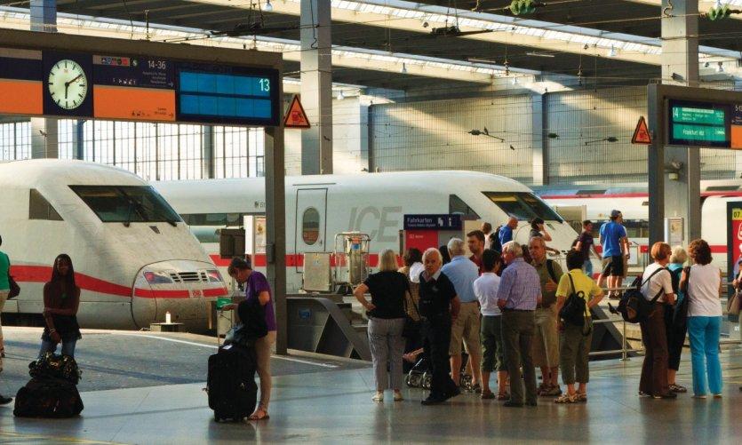 Hauptbahnhof (gare centrale).