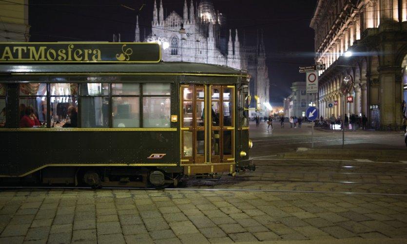 L'ATMosfera devant le Duomo