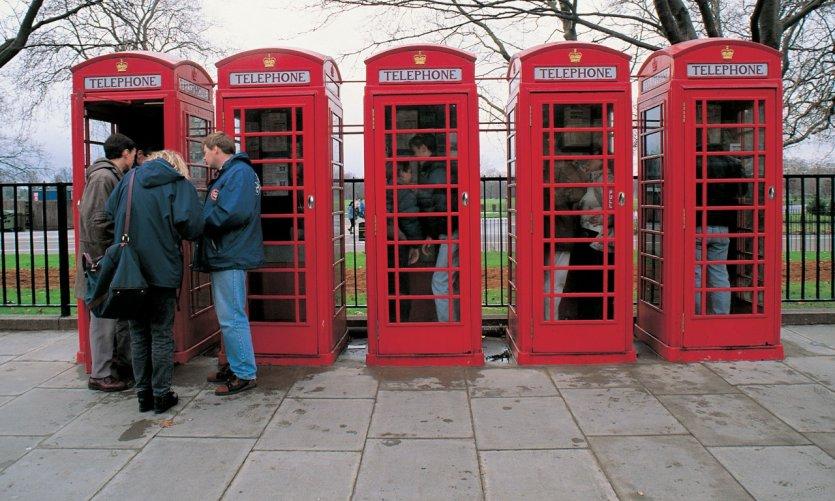 Les cabines téléphoniques fonctionnent encore!