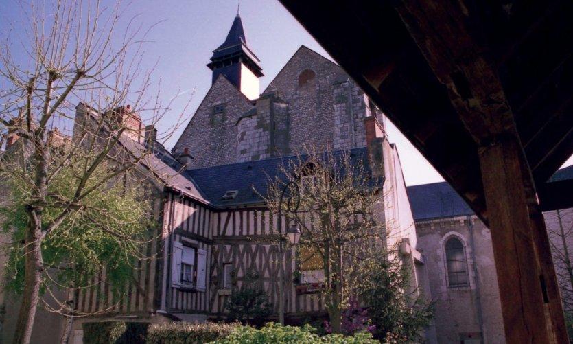 La collégiale de Saint-Pierre-le-Puellier à Orléans