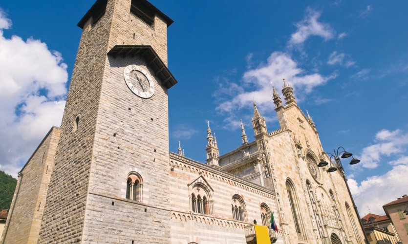 Broletto, Duomo et Torre del Comune.