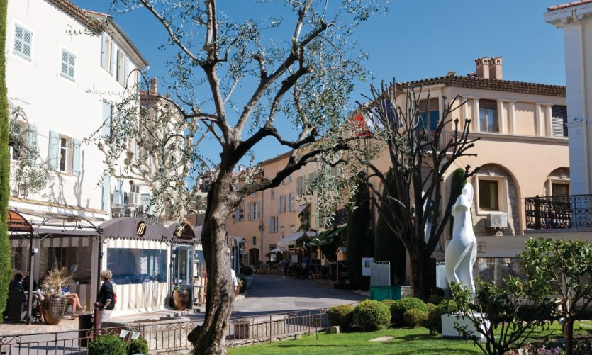 Mougins guide actualit adresses avis petit fut for Le jardin mougins restaurant