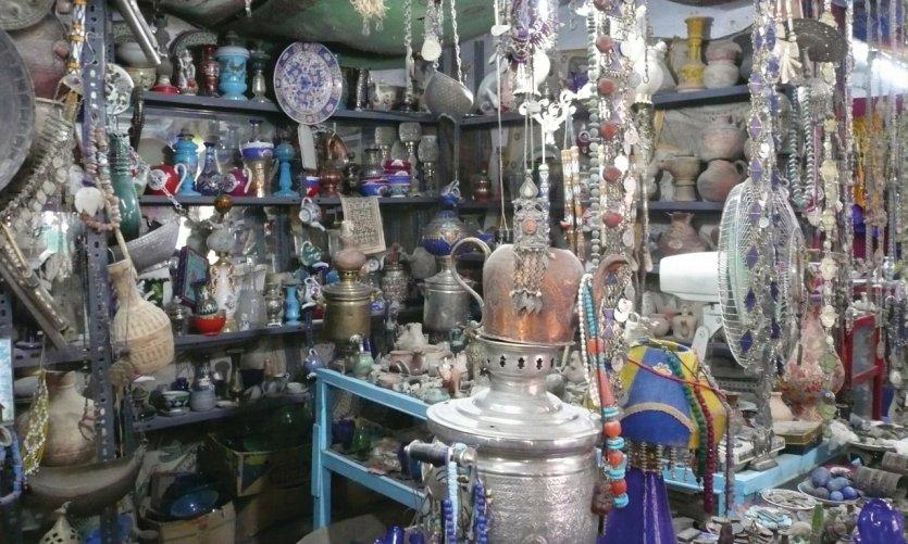 Boutique d'antiquités d'Hadji Sultan, véritable caverne d'Ali Baba.