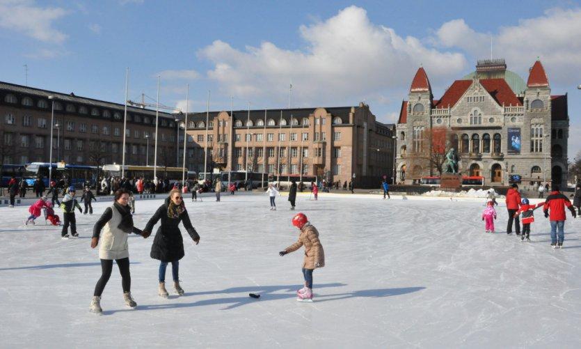 Patinoire en plein air d'Helsinki