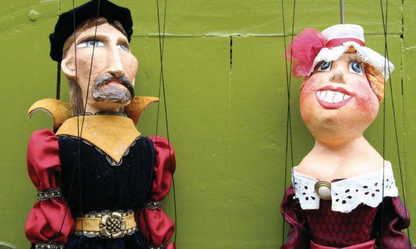 Marionnettes.