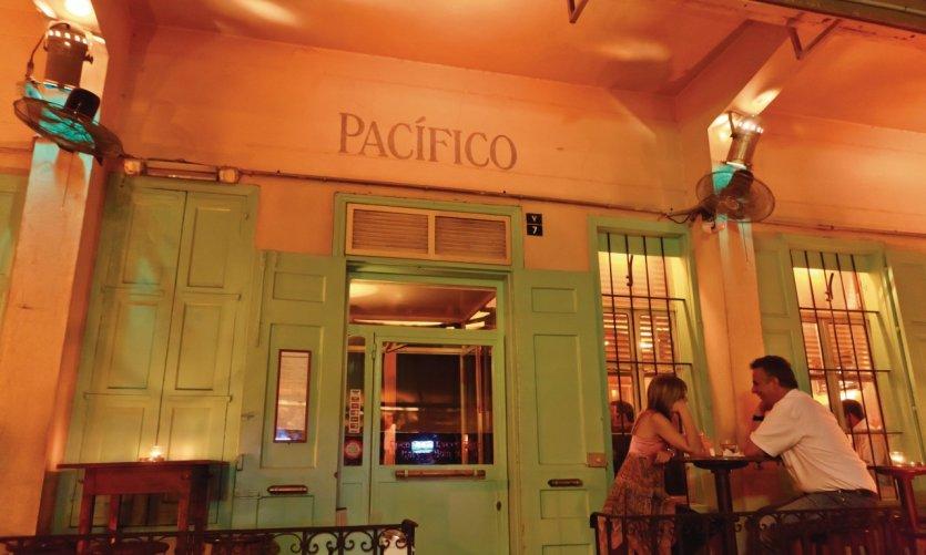 Bar Pacifico situé dans le quartier du Monnot