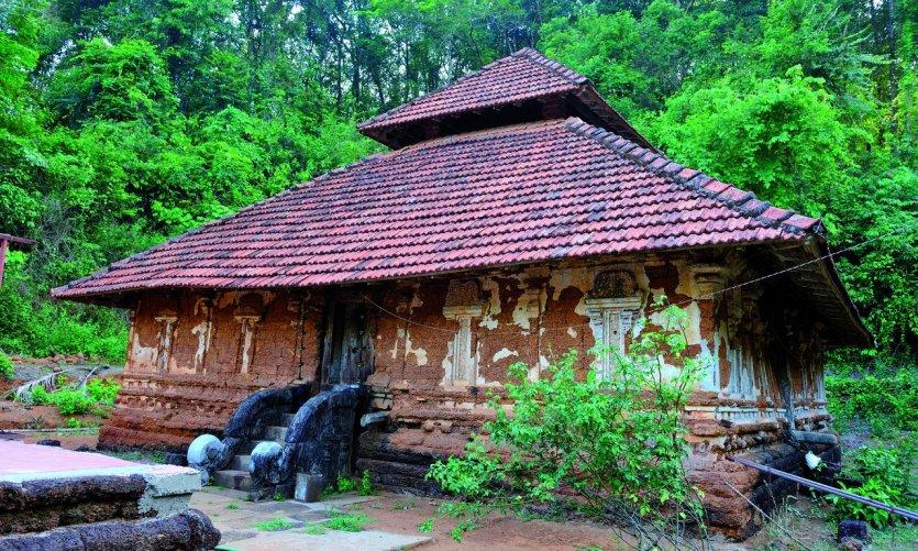 <p>Un des très anciens temples de la région entre Bekal et Kannur</p>