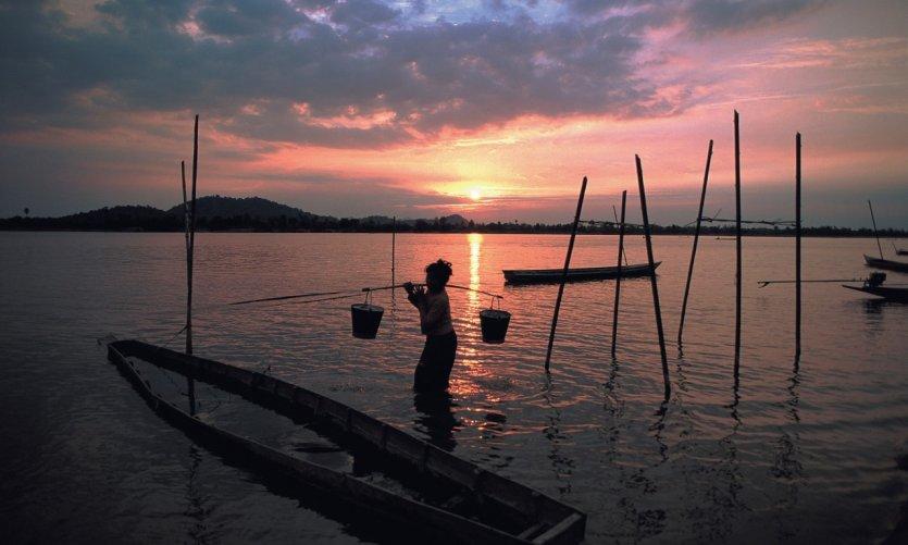Pescador de la isla de Don Khong.