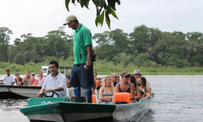 Excursion fluviale dans le Parc National