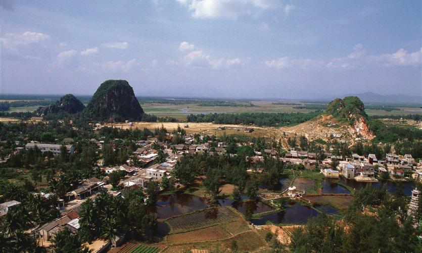 Montagnes de marbre près de Dà Nang.