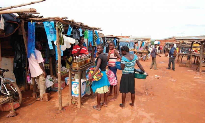 Scène de marché à Mwinilunga.