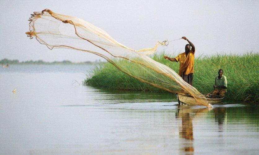 Pêche sur le lac Maga.