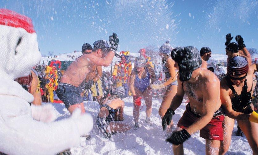 <p>Carnaval de Québec, bain de neige.</p>