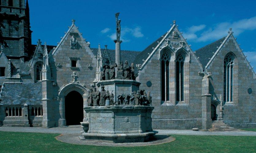 Eglise de Kergrist-Moëllou