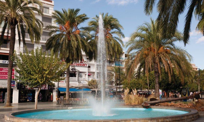 <p>Fountain in Sant Antoni.</p>