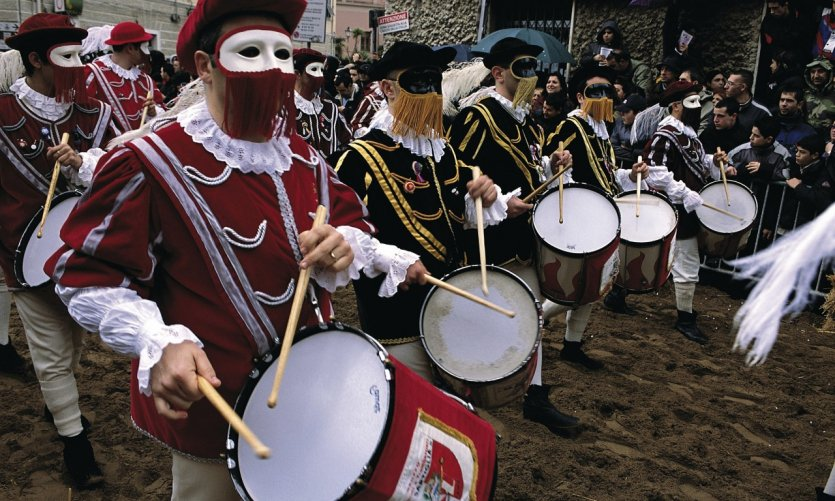 Joueurs de tambour pendant la Sartiglia.