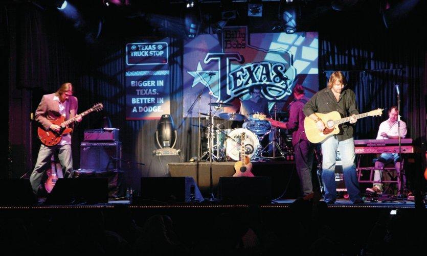 Concert de musique country au Billy Bob's Texas.