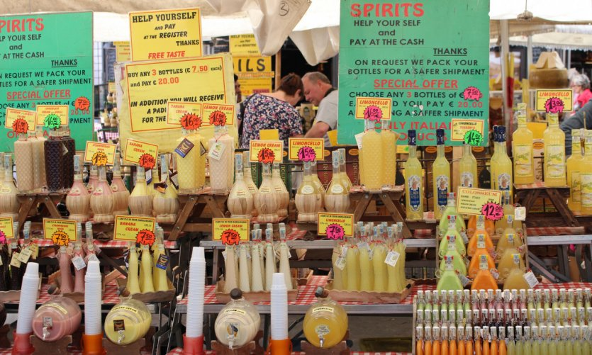 Market of Campo dei Fiori.